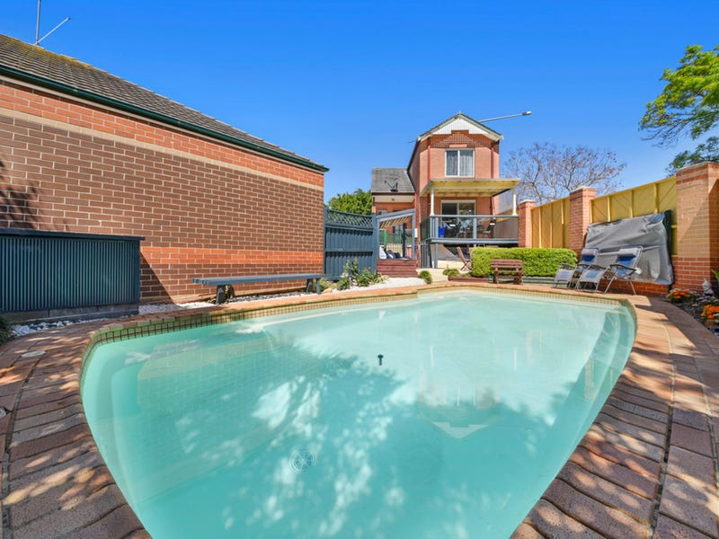 8 Maple Grove, Narellan, NSW 2567
