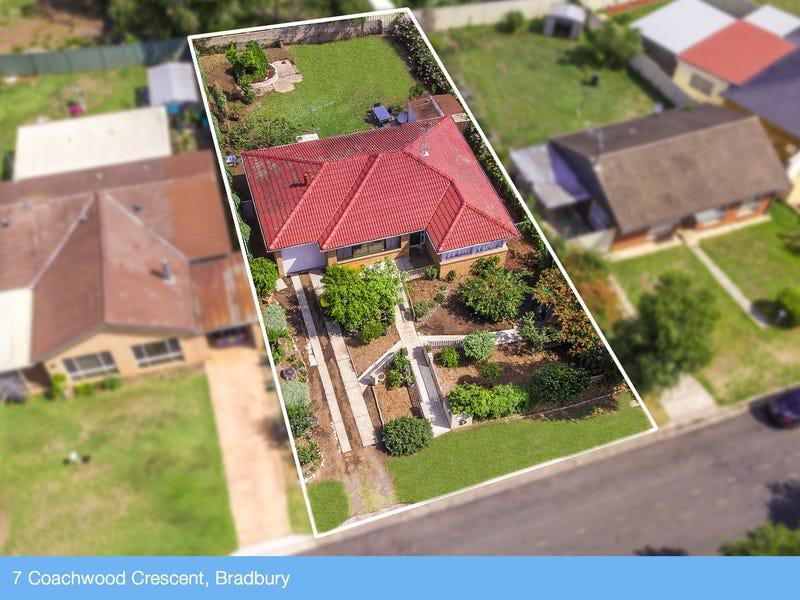 7 Coachwood Cres, Bradbury, NSW 2560