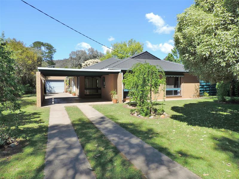 5988 Great Alpine Road, Eurobin, Vic 3739