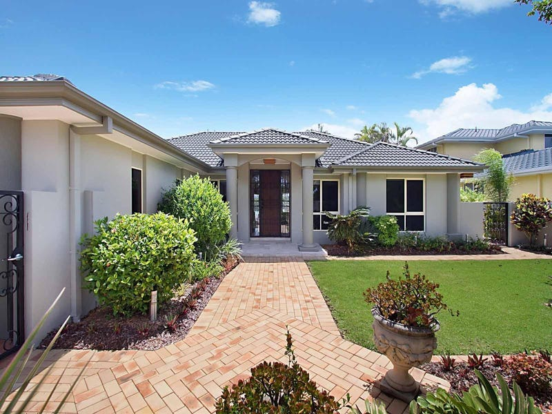 40 Lakefield Crescent, Paradise Point, Qld 4216