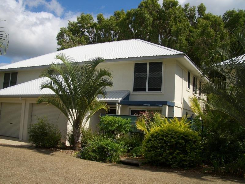 Villa 3/2 Sylvan Drive, Moore Park Beach, Qld 4670