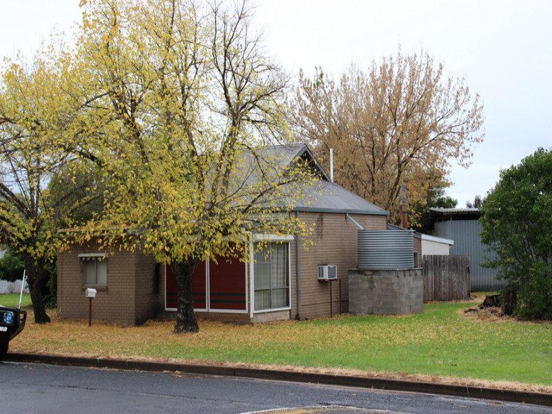 38 Castlereagh Ave, Binnaway, NSW 2395