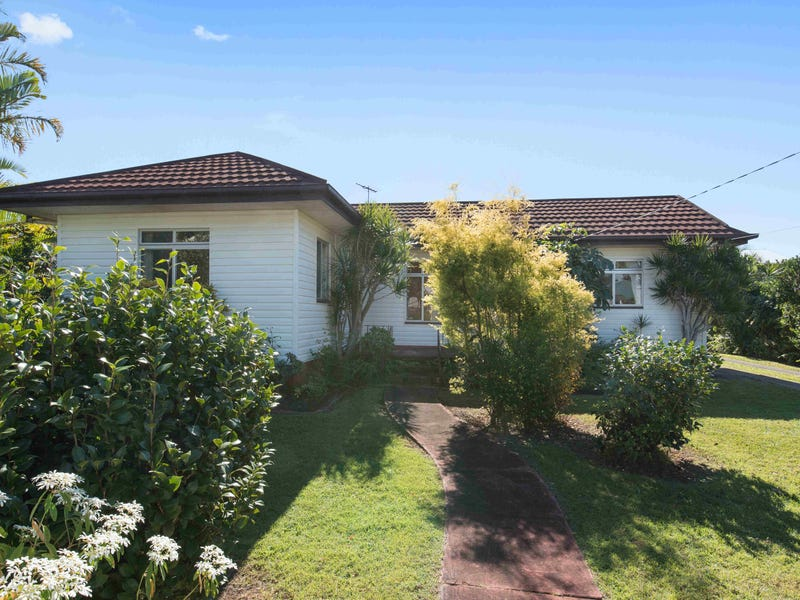 68 Arthur Street, Woody Point, Qld 4019