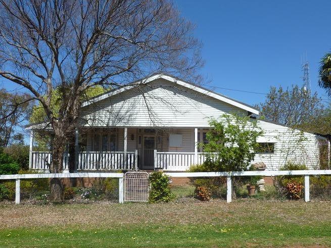42 Cobbora Street, Dunedoo, NSW 2844