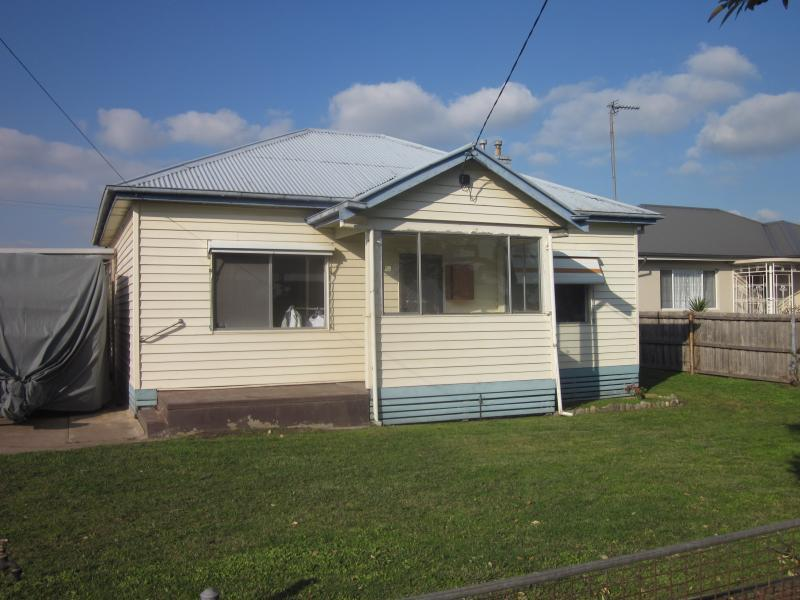 18 Mills Street, Maffra, Vic 3860
