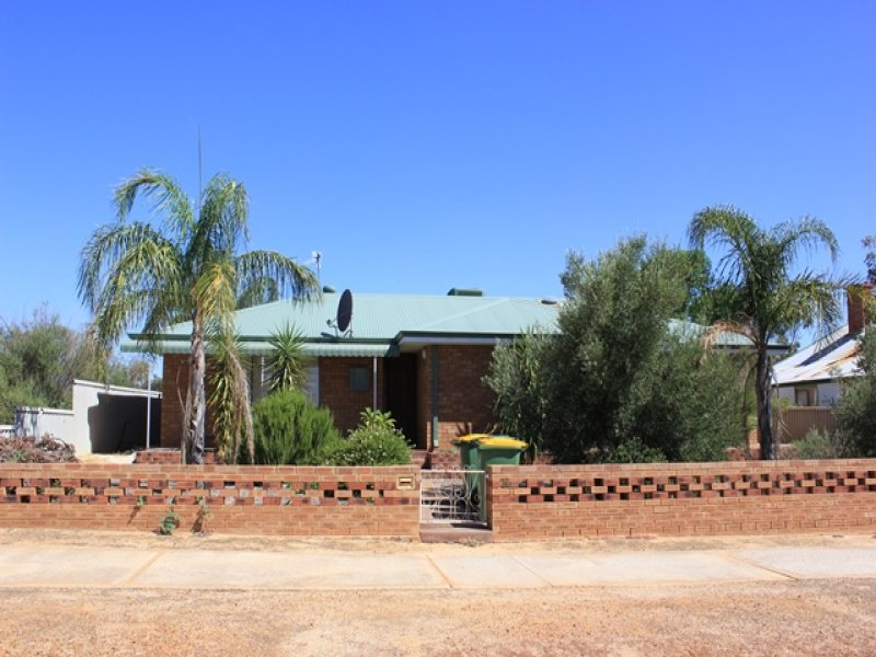27 Goldfields Road, Dowerin, WA 6461