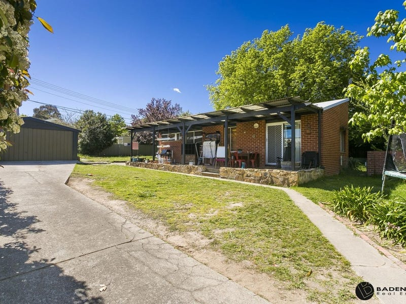 215 Wheeler Crescent, Wanniassa, ACT 2903