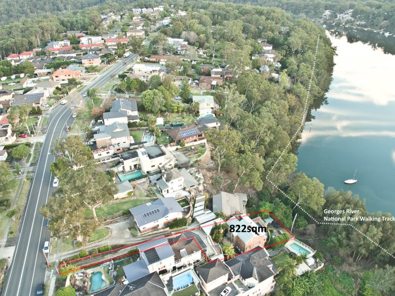 806a Henry Lawson Drive, Picnic Point