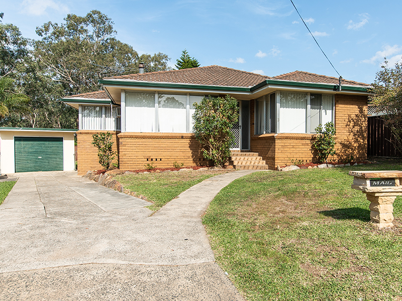 3 Clyde Place, Campbelltown, NSW 2560
