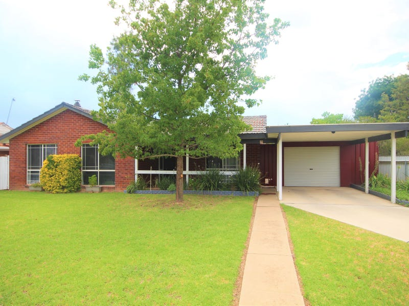 13 Lockett Place, Tolland, NSW 2650