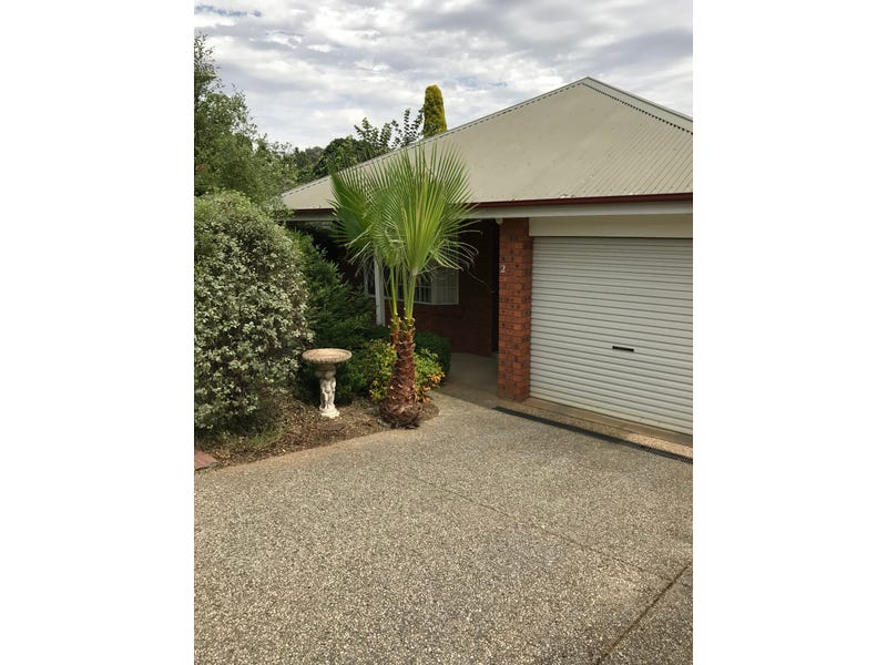 2/12 Orchard Way, Lavington, NSW 2641