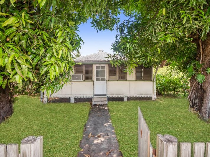14 HUBERT STREET, South Townsville, Qld 4810