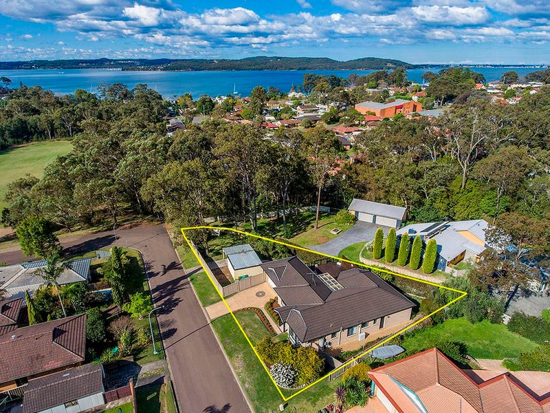 11 Jabiru Street, Carey Bay, NSW 2283