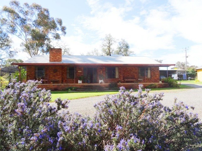 28 Creek Street, Cudal, NSW 2864