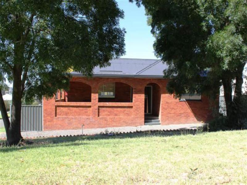 8 PROSPECT STREET, Young, NSW 2594