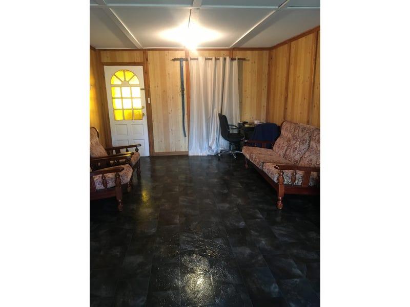 10 Marshwood Place, Sawyers Valley, WA 6074