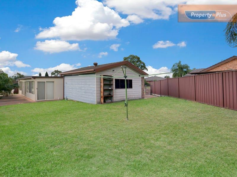 17 Kala Circuit, St Clair, NSW 2759