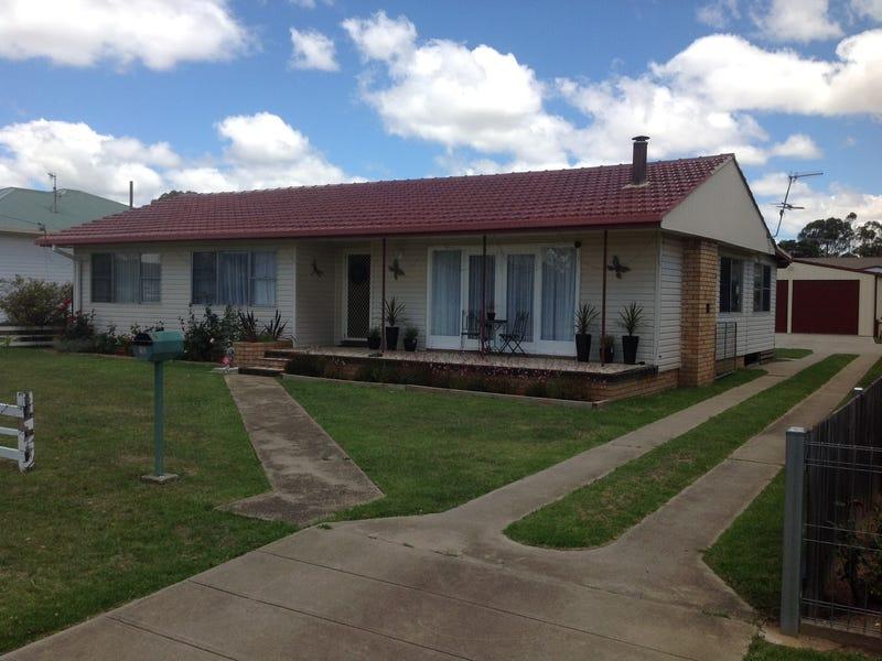 48 Mossman Street, Armidale, NSW 2350