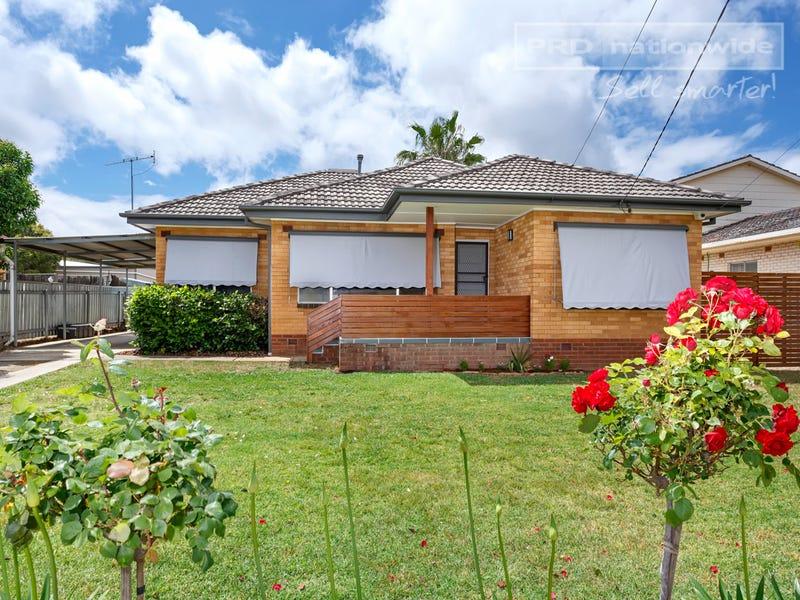 25 Nixon Crescent, Tolland, NSW 2650
