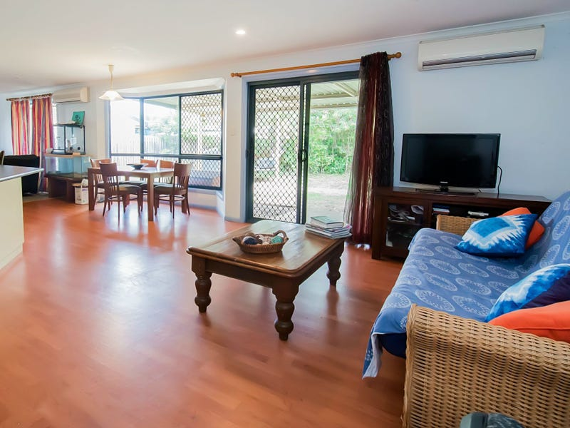 9 Dudley Place, Slade Point, Qld 4740
