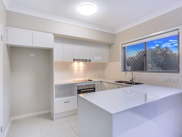 111 Leitchs Road South, Albany Creek, Qld 4035