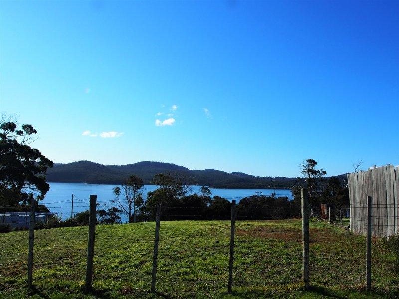 21 Wedge Avenue, White Beach, Tas 7184
