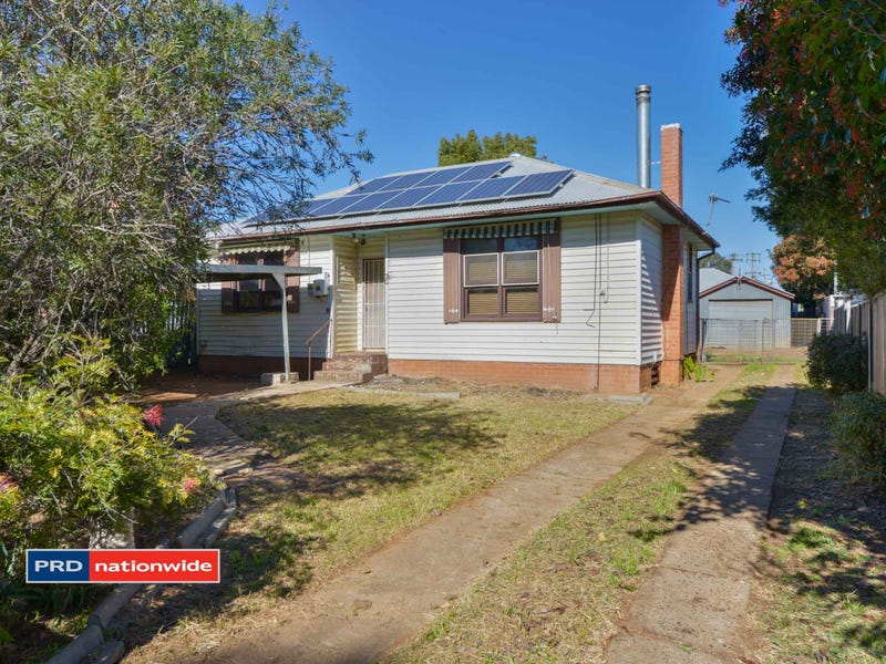 30 Stewart Avenue, Tamworth, NSW 2340