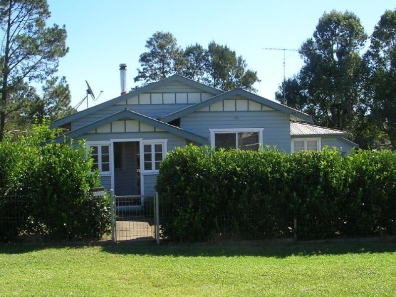 42 Roseberry St, Woodenbong, NSW 2476