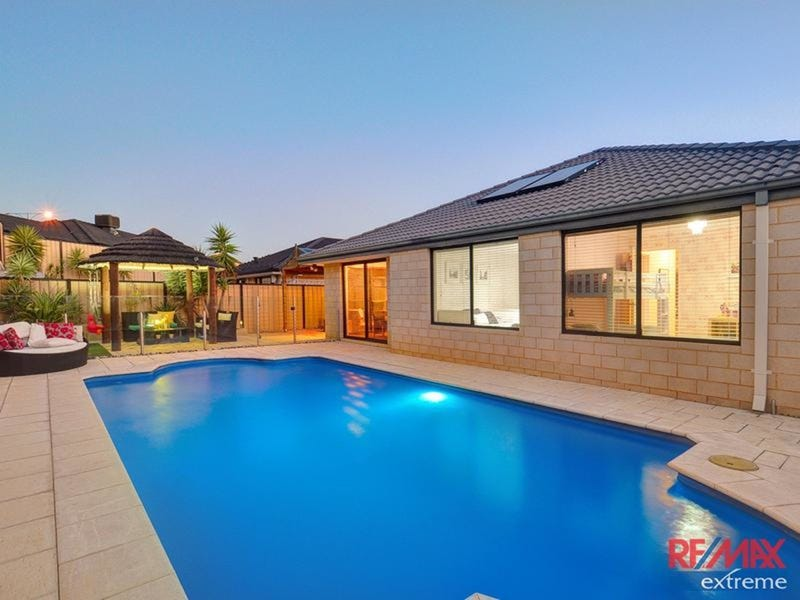 15 Rocklands Loop, Carramar, WA 6031