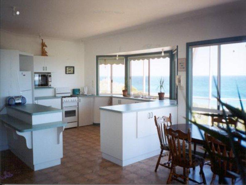 9 Bay Crescent, Peppermint Grove Beach, WA 6271