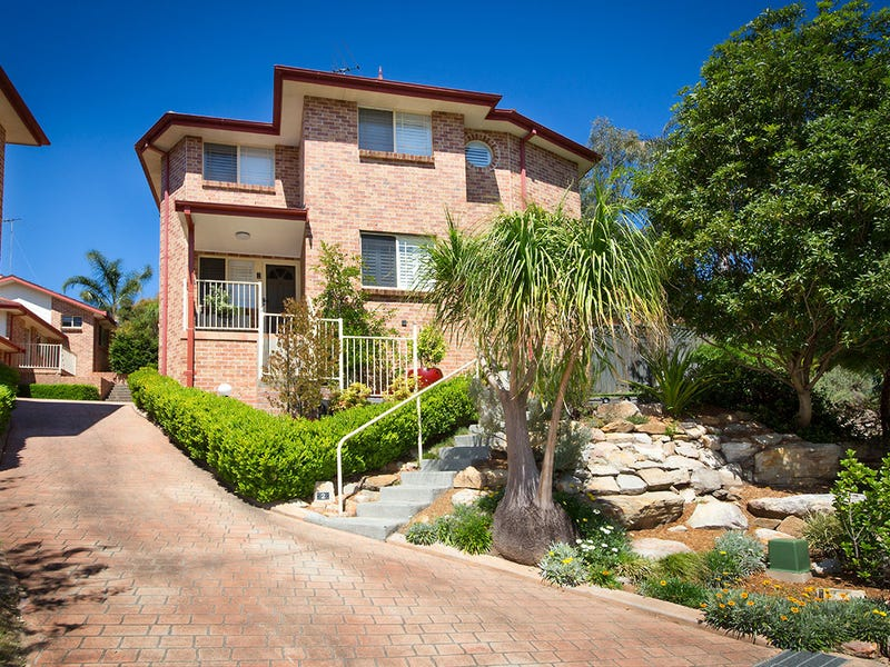 2/104-106 Beaumaris Drive, Menai, NSW 2234