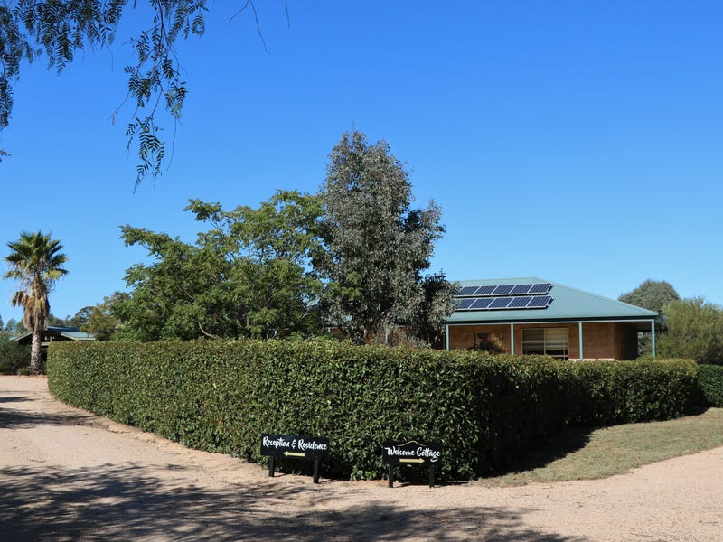 35 THE WELCOME ROAD, Parkes, NSW 2870
