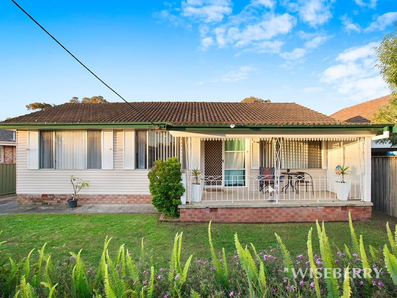 13 James Road, Toukley, NSW 2263