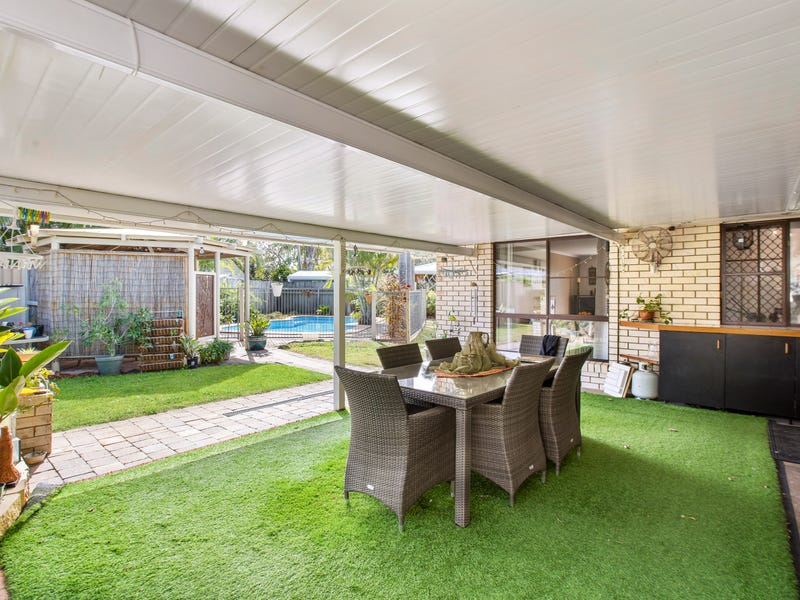 2 Miner Place, Parrearra, Qld 4575