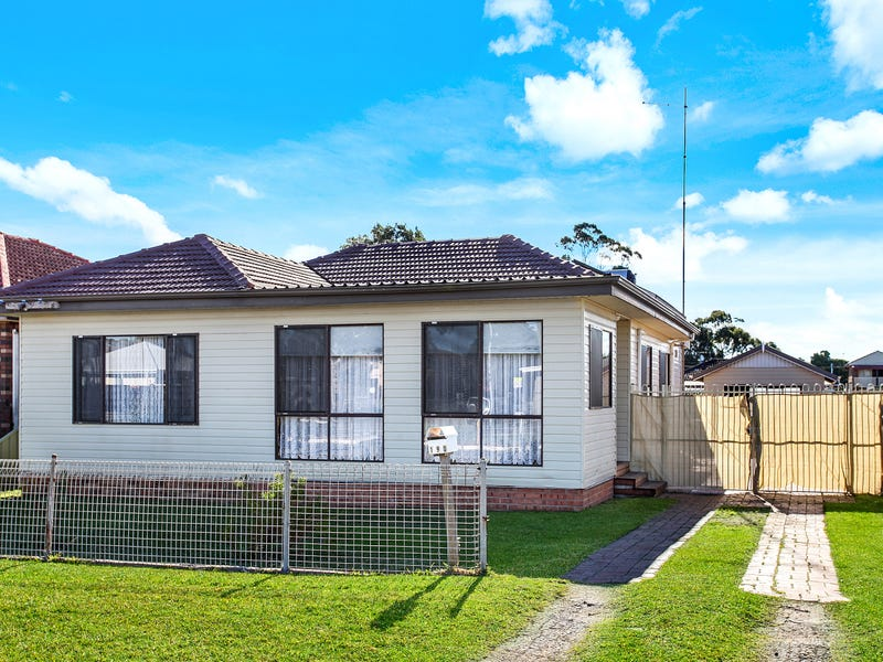 190 Pur Pur Ave, Lake Illawarra, NSW 2528