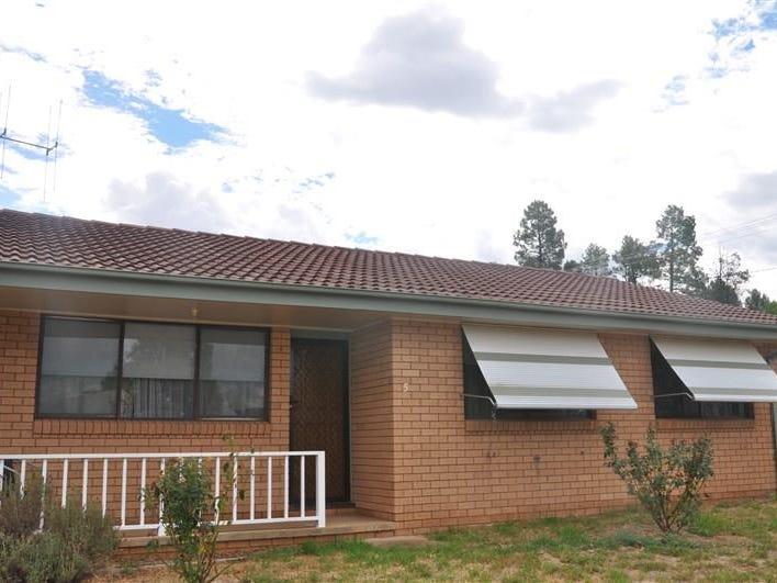 5 Bowler St, Eugowra, NSW 2806