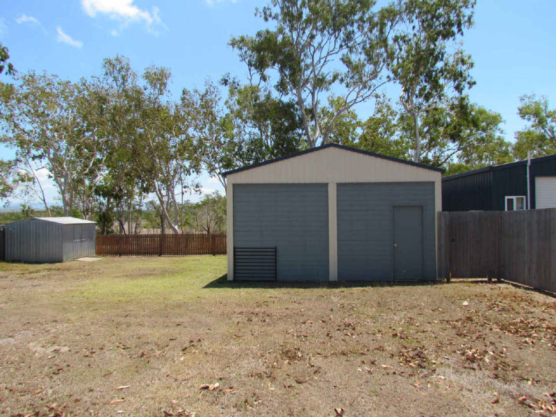 24  Murphy St, Seaforth, Qld 4741