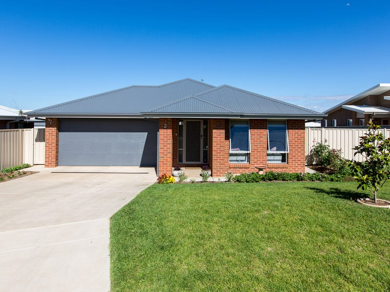 3 Mulberrygong Court, Gobbagombalin, NSW 2650