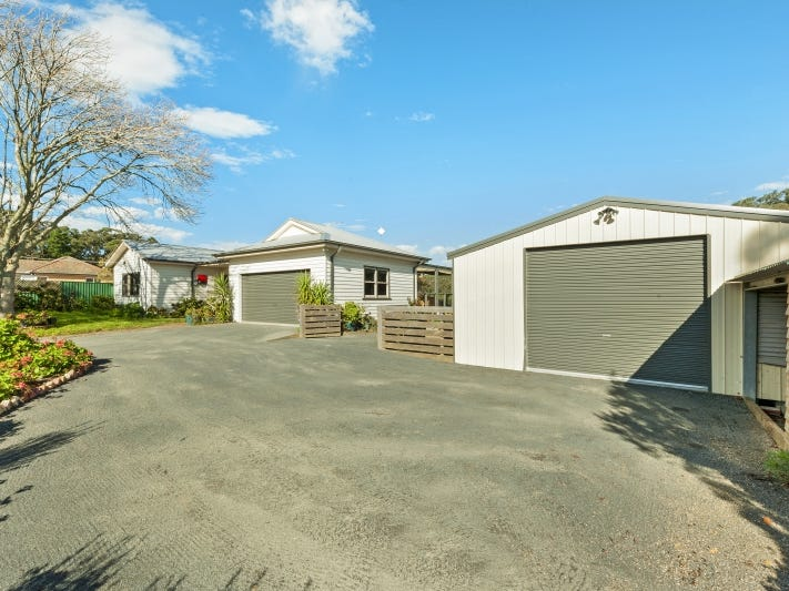 932  Eureka Street, Ballarat East, Vic 3350