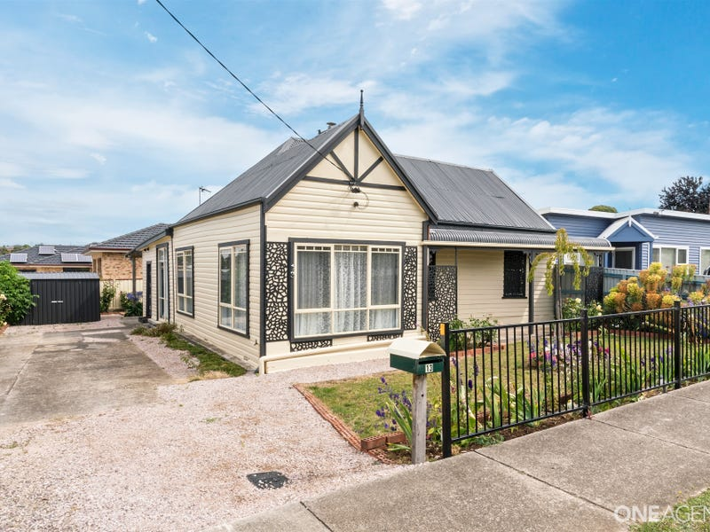13 Middle Road, Devonport, Tas 7310