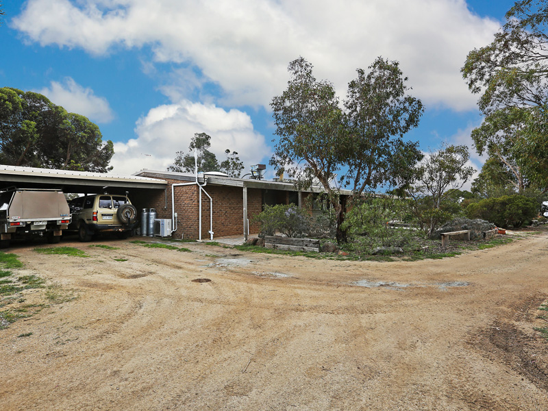 245 Narraburra Road, Little River, Vic 3211