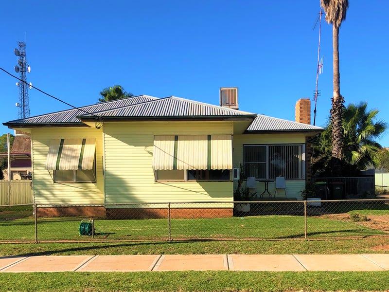 60 Harris St, Trangie, NSW 2823