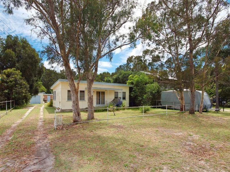 5 Taylor Road, Taylors Beach, NSW 2316