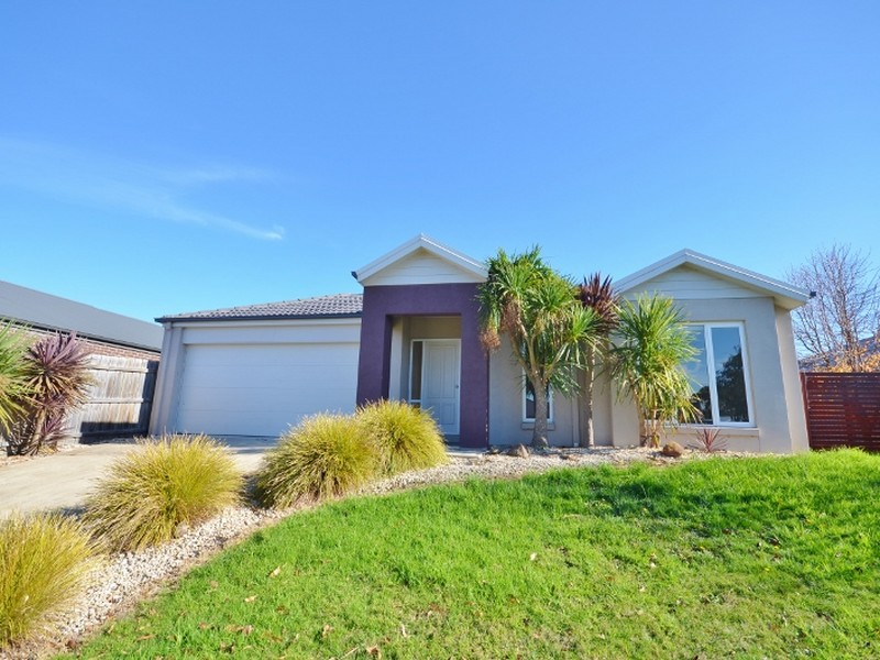 4 Headland Way, Inverloch, Vic 3996