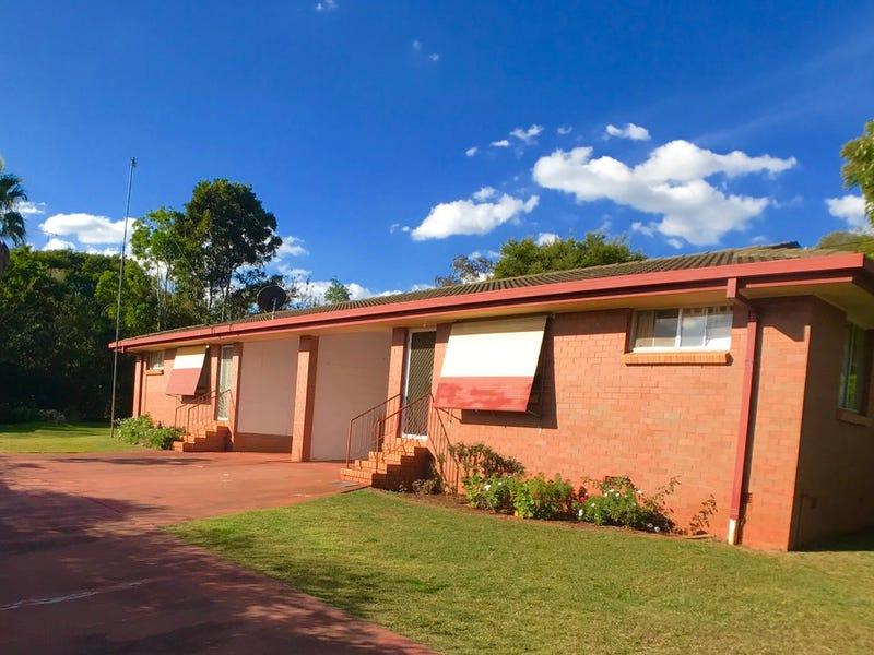 9 Dora Street, South Toowoomba, Qld 4350