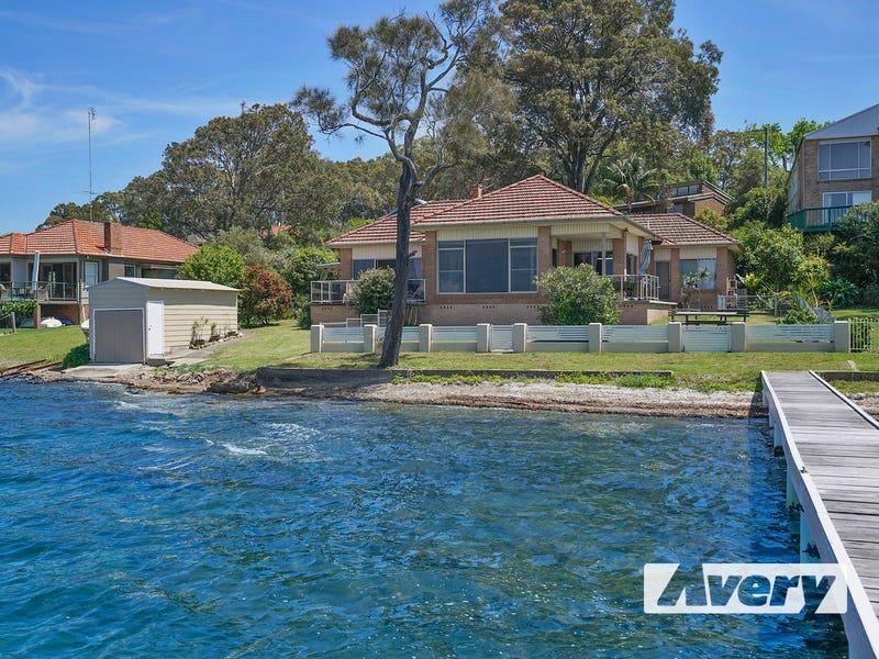 16 Ambrose Street, Carey Bay, NSW 2283