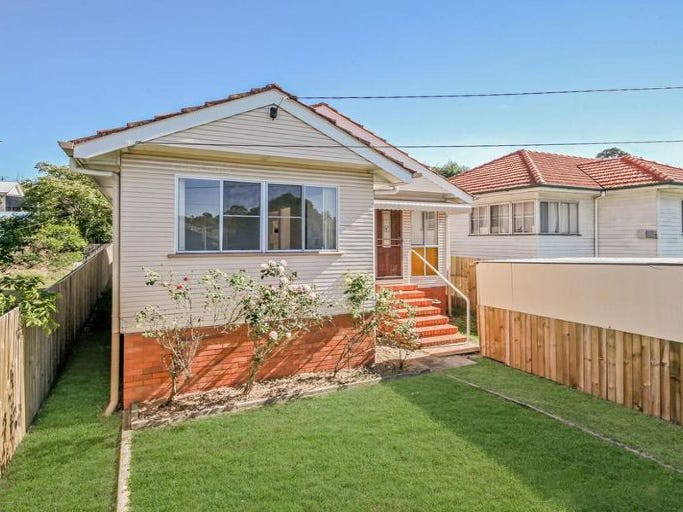 8 Old Northern Rd, Everton Park, Qld 4053