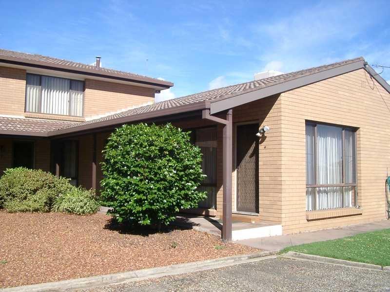 4/7 Mangaroo Avenue, Tumut, NSW 2720
