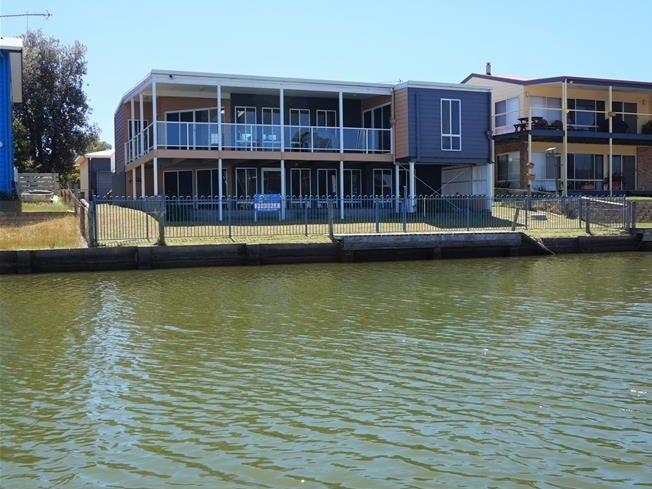 31 Marina Drive, Loch Sport, Vic 3851