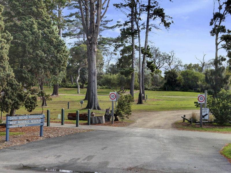 17/1 Chatfield Avenue (Corner Point Nepean Road), Capel Sound, Vic 3940